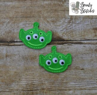 alien shoe tags in the hoop embroidery file by spunky stitches